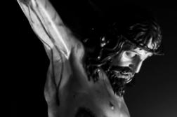 Enseña el verdadero significado de la Pascua