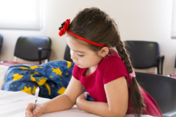 Regreso a clases: Fomenta la independencia de tus hijos
